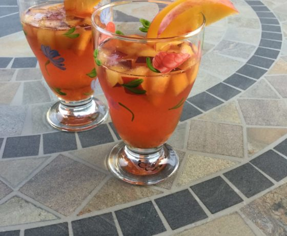 Sangria the best appetizer for a dinner with friends
