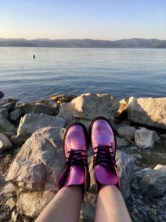 Lady Si Lifestyle Blog My new crush for Dr. Martens Pascal Metallic Pink Fashion