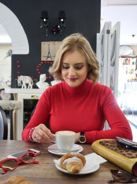 LadySi Lifestyle Blog The turtleneck the perfect garment for cold days Fashion