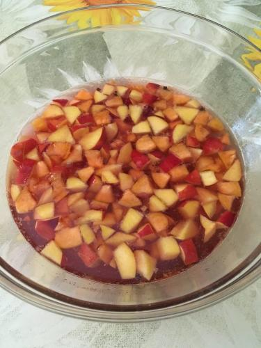 LadySi Lifestyle Blog Sangria the best appetizer for a dinner with friends Food
