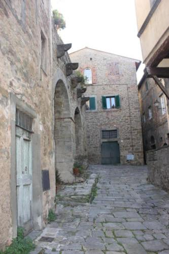LadySi Lifestyle Blog In the streets of Cortona Lifestyle Travel